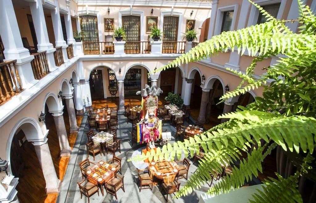 Patio andaluz quito ecuador holidays steppes travel - Fotos patio andaluz ...